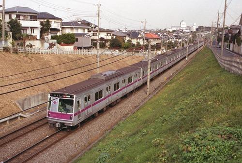 suzu-199811-8011