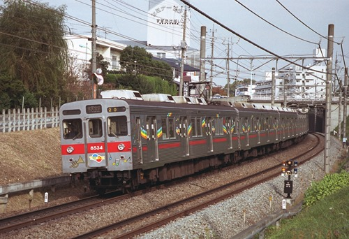suzu-199811-8534